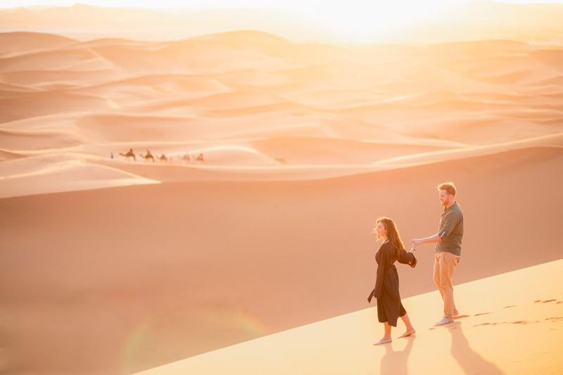 viaje de pareja en el puente de octubre por el desierto